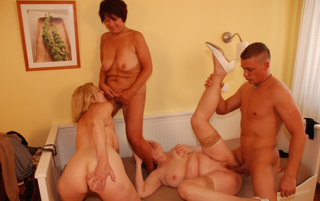 mature-sex-party-one-lucky-dude